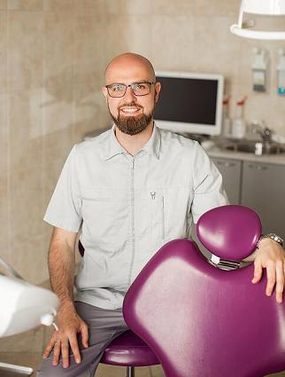 Дмитрий Москаленко. Врач Стоматолог
